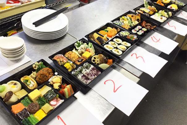 도쿄스시와쇼쿠조리전문학교 도시락조리실습 4.JPEG