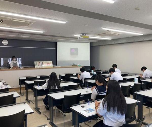 핫토리영양전문학교 파티셰 장미꽃 만들기 2.jpg